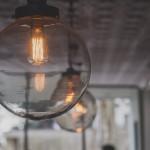 Designerskie i oryginalne dekoracje – 15 pomysłów na wykorzystanie starych przedmiotów!