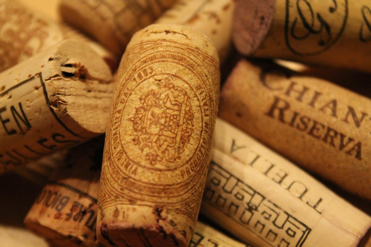 Korki po winie idealne do wykorzystania w dekoracji.