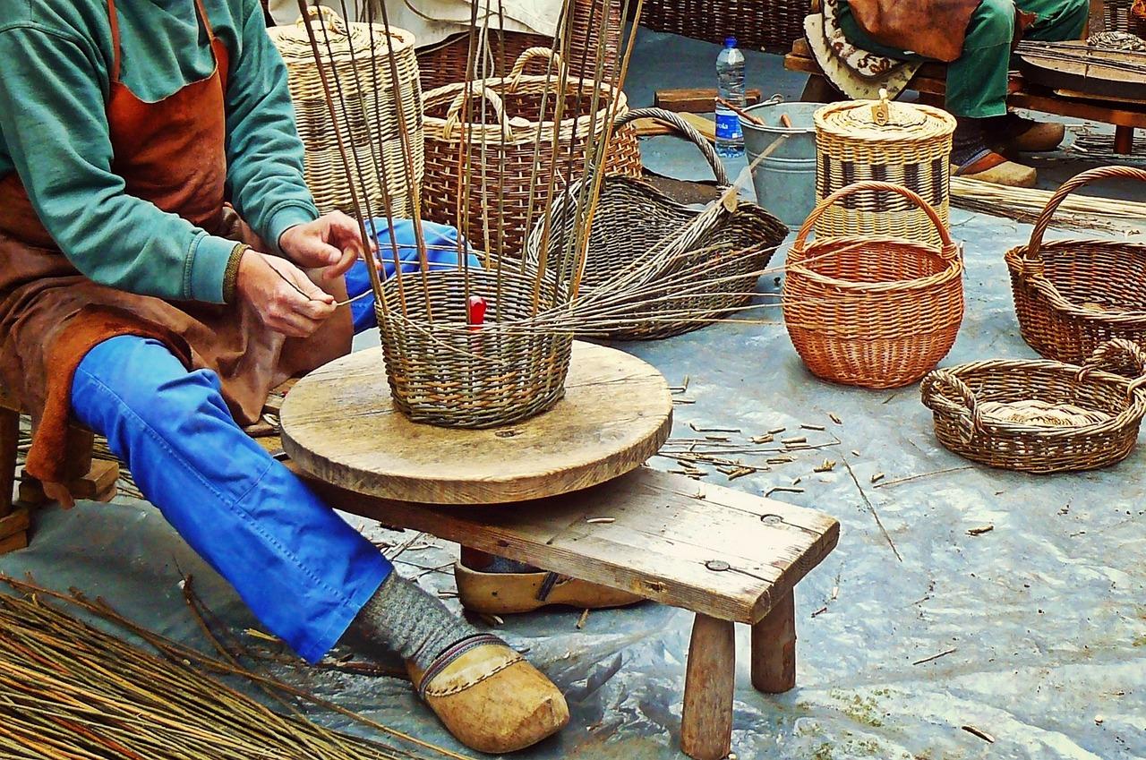 Produkcja mebli i dekoracji z wikliny.